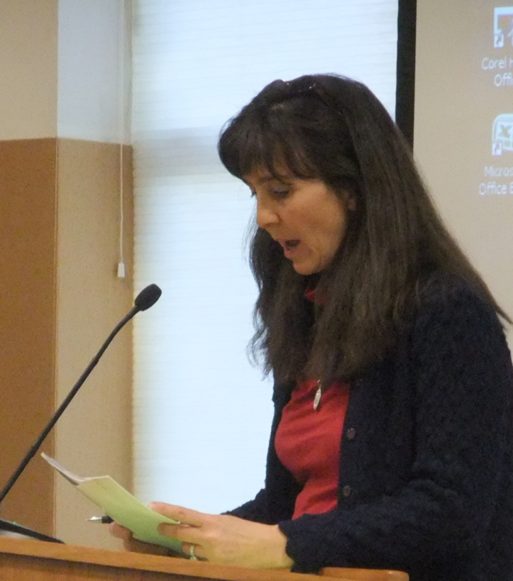 Dee Beingessner, whose fourth child would enter Gonzales next year, addresses the board.