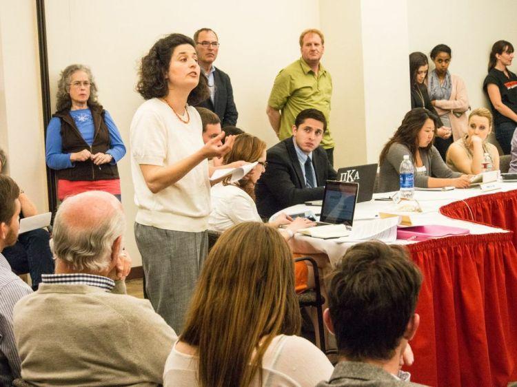 UNM Hillel Director Sara Koplik voicing opposition to the divestment resolution.